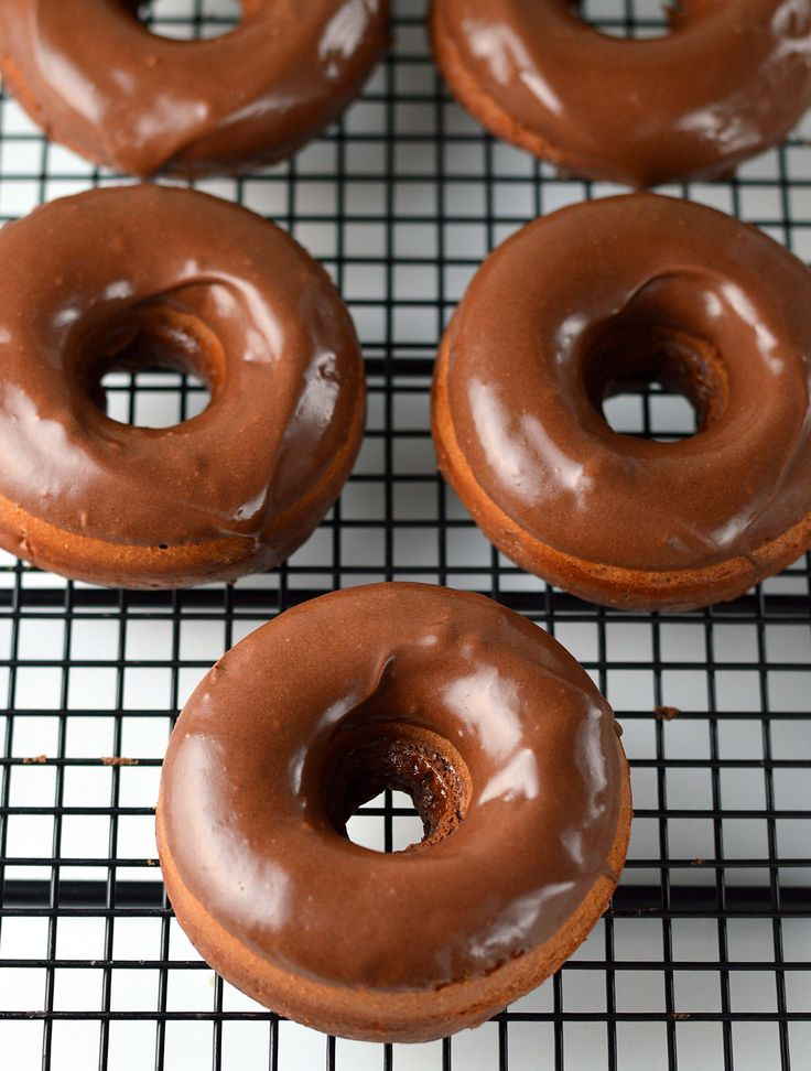 Baked chocolate donuts with chocolate glaze. Fresh from the oven in 8 minutes.