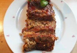 """Recept voor Vegetarisch """"gehaktbrood"""" van kastanjechampignons"""