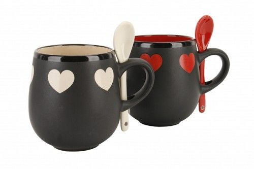 Red and Cream heart mugs with spoons http://www.wedding-giftsonline.co.uk/2-red-and-cream-heart-mugs-with-spoon-3874-p.asp