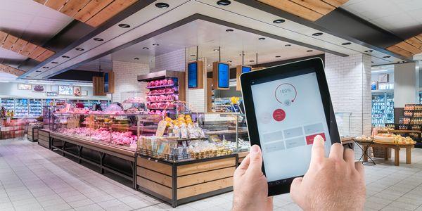 Grazie alla #tecnologia #LED potete stupire il consumatore che entra in negozio e invogliarlo all'acquisto #Oktalite - Referenze - shop