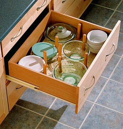 ,Wooden Peg, Small Kitchens, Peg Boards, Kitchens Ideas, Sturdy Wooden, Plates Storage, Kitchens Drawers, Kitchens Storage, Clutter Free