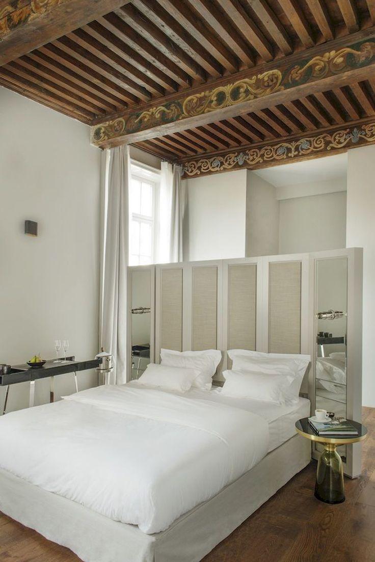 Set in a palais Hotel de Tourrel