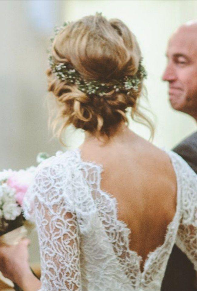 Après le futur époux et la robe, vient de temps de s'attaquer à la question capillaire.