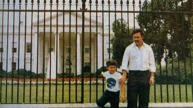 Pablo Escobar and his son in front of the White House. 1980's.