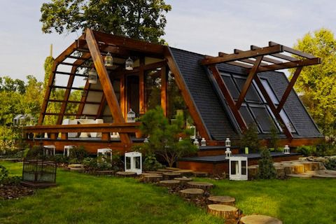 In LOVE with this home, beautiful and off grid. Frugal elegance at its best.