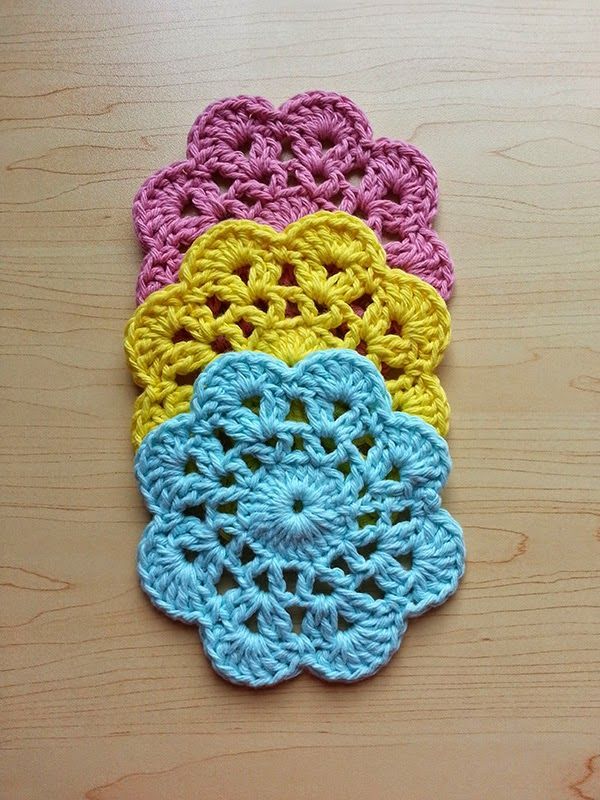 Sarah Whittle - Contemporary Embroidery Artist: Free Crochet Flower Dishcloth Pattern