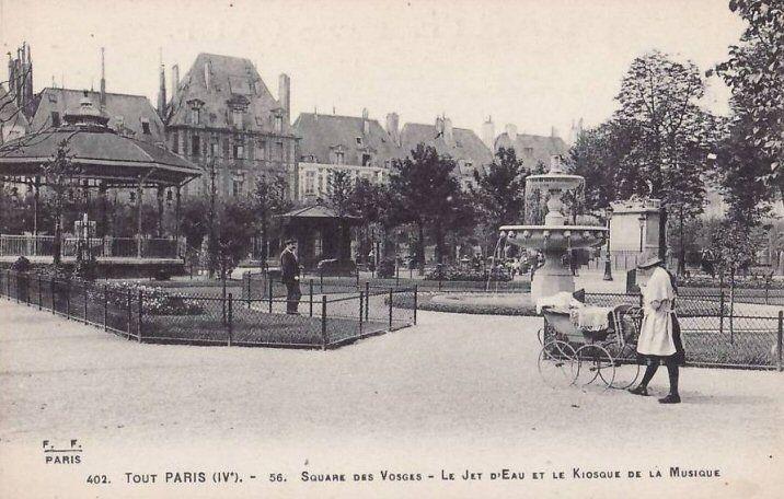 Le square de la place des Vosges, le Jet d'Eau et le Kiosque de la Musique, vers 1900.