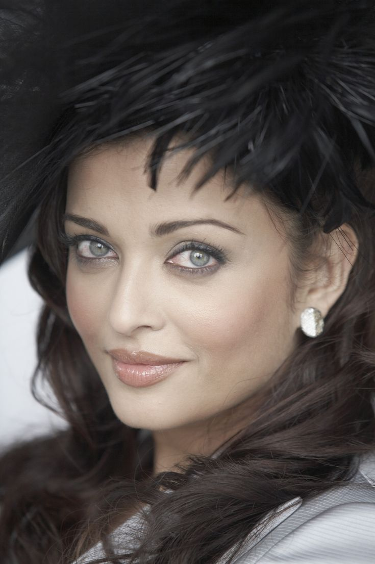 a rai | Aishwarya Rai Aishwarya Rai - Photoshoot by Gavin Smith 2009