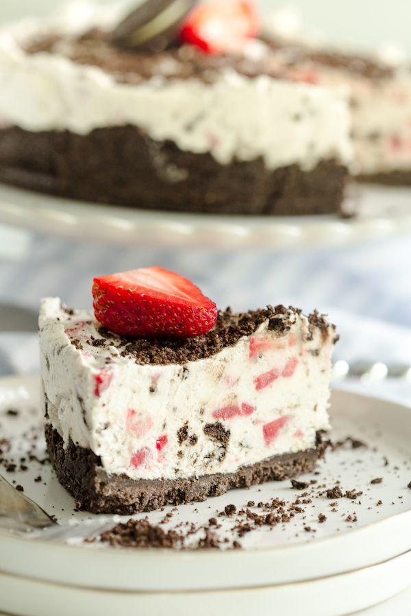 No Bake Strawberry Oreo Pie | Grüns & Schokolade   – sweets to eat