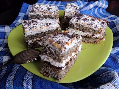 Moje Małe Czarowanie: Ciasto makowe z bitą śmietaną