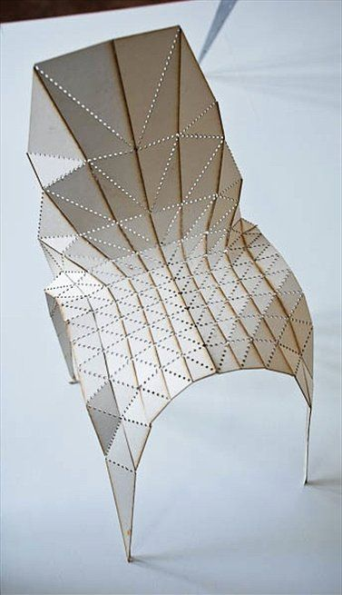 """Zhang Zhouile: The """"Triangulation Project"""" explores the relationship of faceted triangular surfaces with each other, creating beautiful objects, following the principles of the lab. The process is based on the idea of DNA like structures. The designs begin with a flat mesh of interconnected triangles, depending on the original shape of the meshes, different typologies are then created. Uploaded by Led Object"""