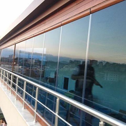 #tbt #cambalkon #mavi #blue #glass #8mm #temperedglass #mimari #detaylar #üretiyoruz #samandıra #istanbul #çalışıyoruz #turkey���� http://turkrazzi.com/ipost/1523165859860870704/?code=BUjX0eLAnYw
