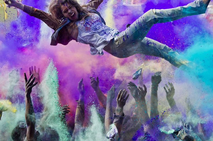 Cape Town streets awash with life at the Color Run 18 October 2014 | Capetowners