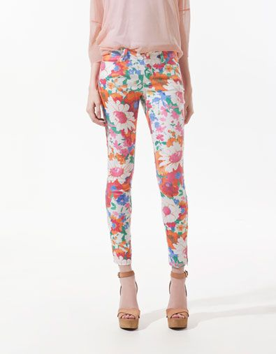 FLORAL PRINT TROUSERS $59.90