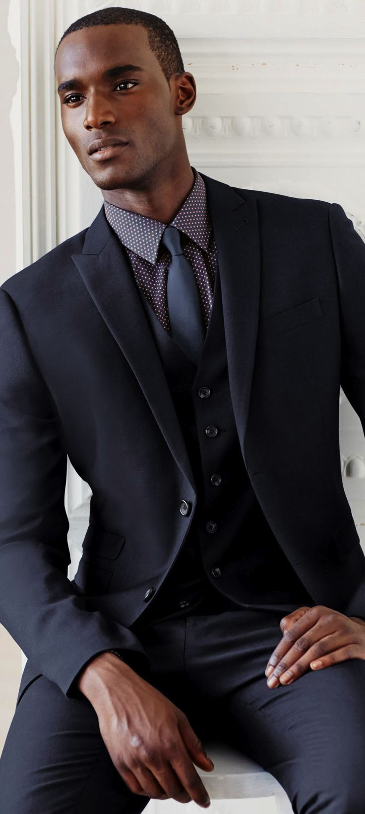 Suit up: Navy is the new black