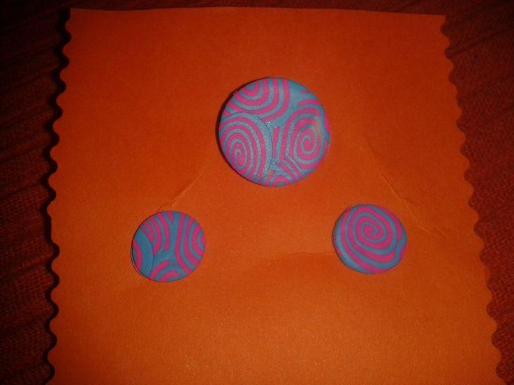 Conjunto anillo-pendientes colorines 2