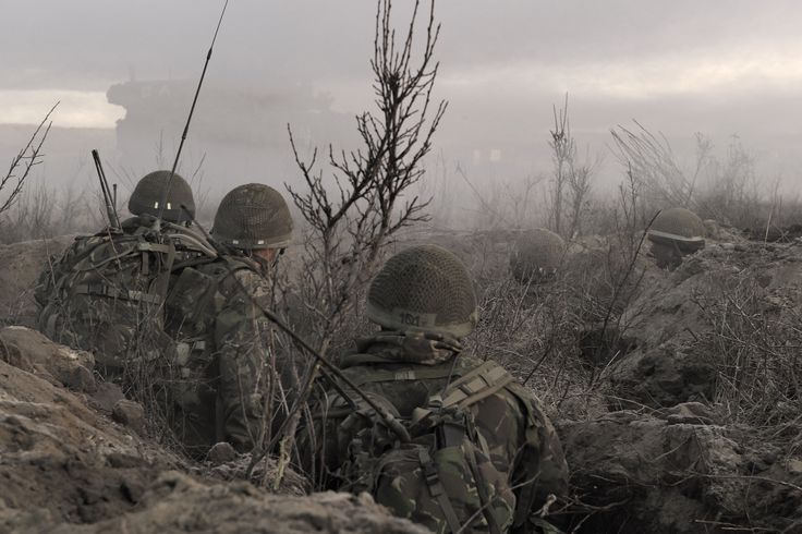 British Army Training Unit Suffield (BATUS) members circulate in a trench during Exercise MAPLE RESOLVE 1101 in Wainwright, Alberta, on October 24, 2011.  Photo: Master Corporal Marc-Andre Gaudreault, Canadian Forces Combat Camera © 2011, DND-MDN Canada   #StrongProudReady