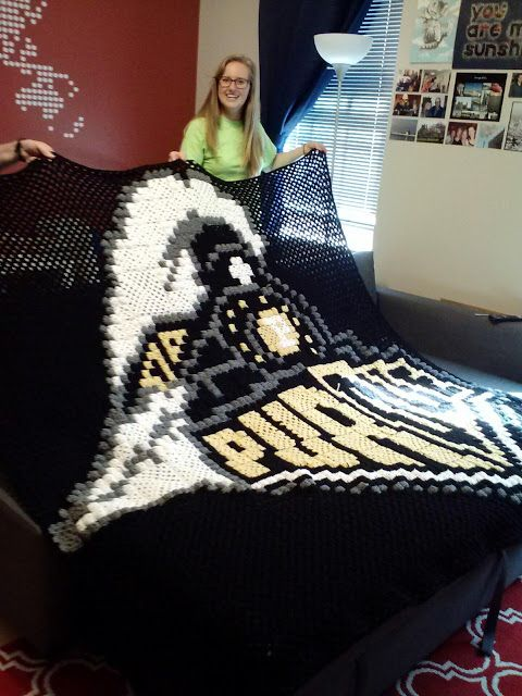 Life of a craft, travel, food, and photography loving engineer: Old (more awesome) Purdue Logo Crochet Grid