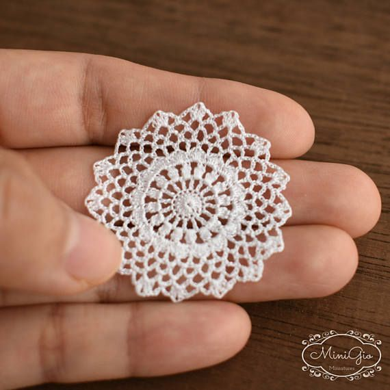 Miniature crochet round doily in white 1.5 inches - 1:12 dollhouse miniature by MiniGio