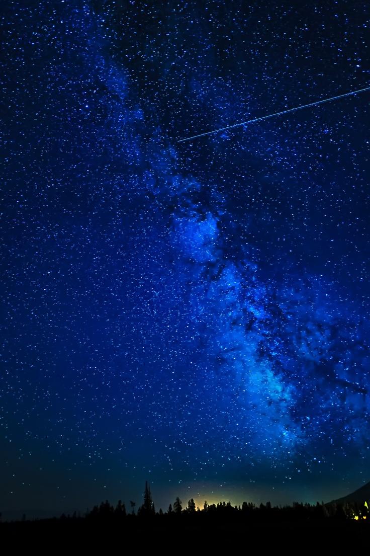 Blue | Blau | Bleu | Azul | Blå | Azul | 蓝色 | Color | Form | Texture | Milky Way along the Tetons