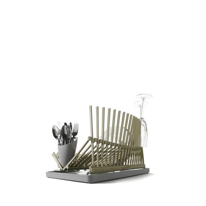 сушилка для посуды (стиль кухни минималистичный, максимально открытые шкафы и минимум элементов в пространстве)