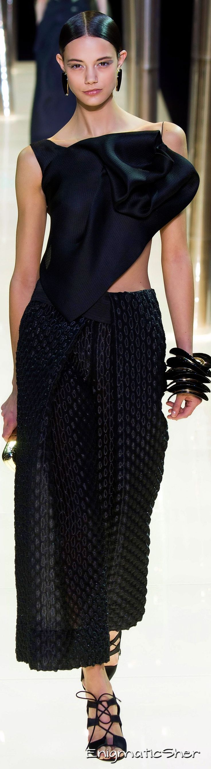 Giorgio Armani Privé Haute Couture Spring Summer 2015 with <3 from JDzigner www.jdzigner.com