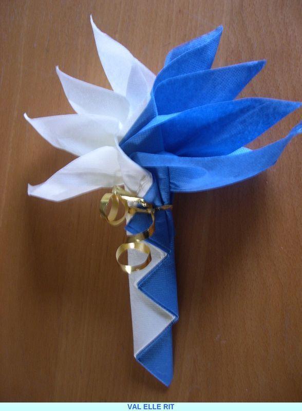pliage serviette 2 couleurs #pliageserviettepapier | Napkin folding, Paper serviettes, Paper flowers