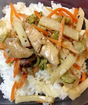 Deliciosa, práctica, nutritiva y muy económica receta de pollo tailandés que les gustará a todos.