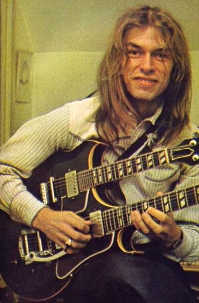 Steve Howe. What a talented man!