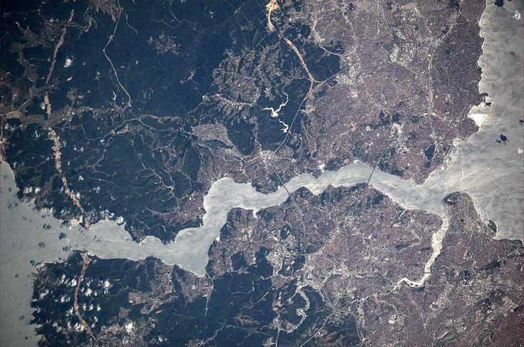 Bosphorus & Istanbul, Turkey from ISS. Picture: Cosmonaut Oleg Artemyev