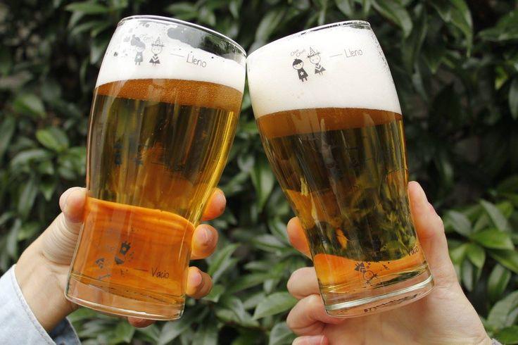 Una cervecita para finalizar el día !! ya falta poco para el fin de semana ;) Pintas para cerveza de Pick Me Diseño  Tienda online: http://charliechoices.com/pick-me/ . . . #diseño #deautor #handmade #hechoamano #emprender #emprendedores #cerveza #pinta #vaso