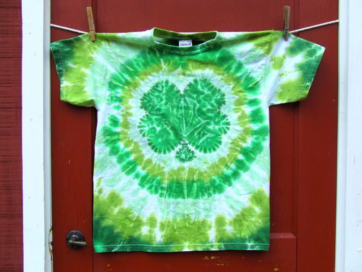 St. Patrick's day tiedye for the wee man's birthday week!