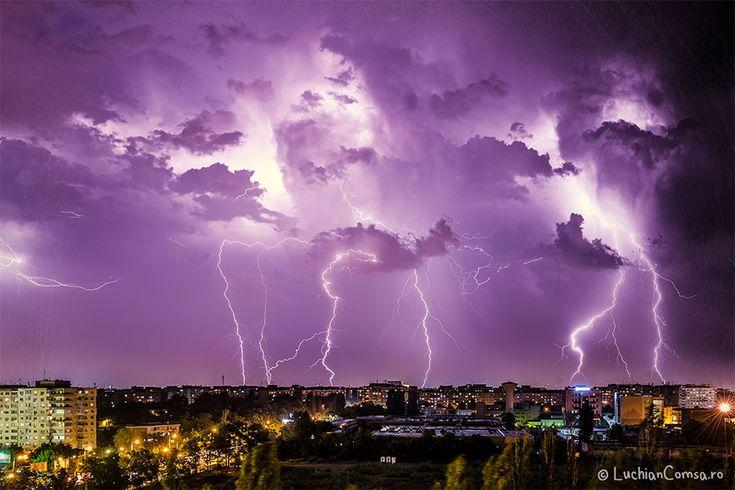 Fulgere peste Bucuresti - 25.06.2013