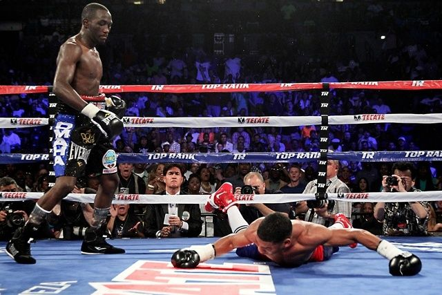 Terence Crawford thrills hometown fans with KO win in Omaha | Communities Digital News
