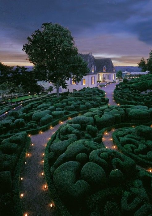 Marqueyssac Chateau, southwest France in the Dordogne region. Great summer activity programs for the kids too! Beautiful.