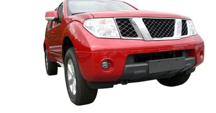 """Desempeño de la Nissan D21 . El nombre común de la camioneta Nissan D21 fue """"Hardbody"""" (cuerpo duro) debido a la construcción robusta de su caja de carga. Nissan fabricó el modelo D21 desde mediados de 1986 hasta 1997. El vehículo tenía un motor básico de 2,4 litros que proporcionaba la potencia adecuada."""
