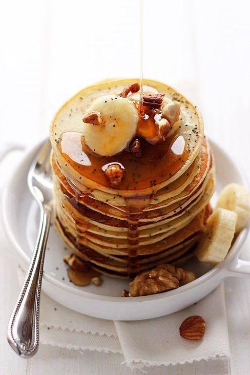 banana pancakes + poppy seeds