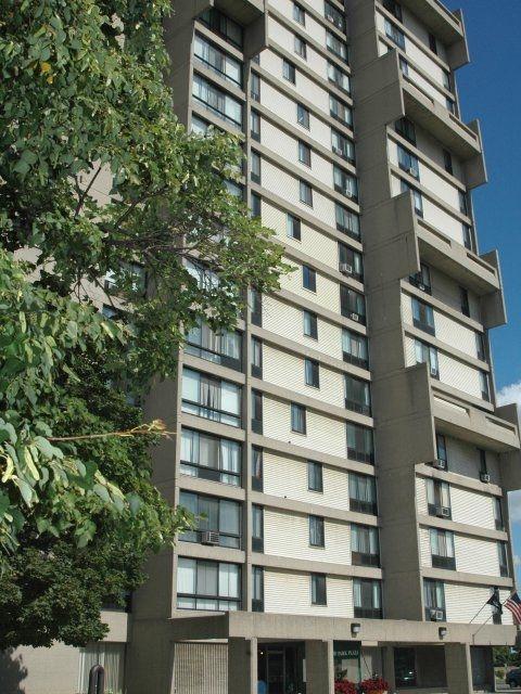 Detroit Riverfront Apartments For Rent