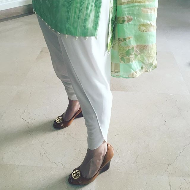 Finally got a chance to wear this tulip shalwar by Sameen Kasuri! And we got to admit, it's ❤. @sameenkasuri