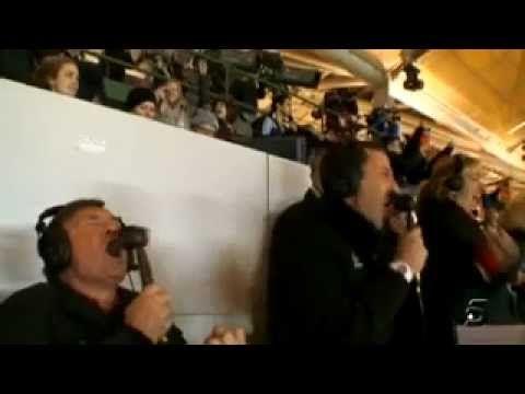 Camacho gritando con el gol de iniesta en el Mundial 2010 Sudáfrica