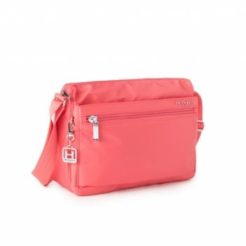 Hedgren Eye M Shoulder Bag: Rose of Sharon The eye m bag is a proven bestseller. easy access to the inside compartments, wearable as crossover or shoulder bag. available in a wide variety of colours.  Comes with a two year warranty