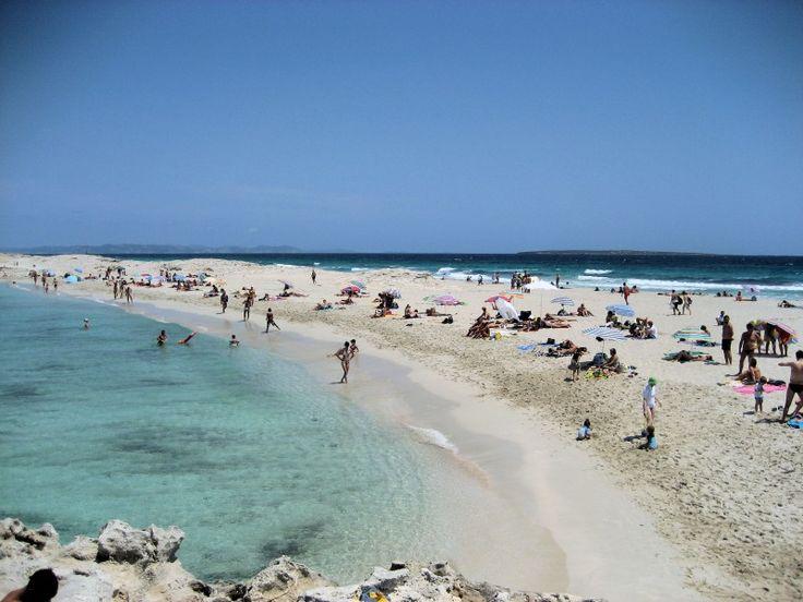 Las mejores playas del mundo: Formentera - http://revista.pricetravel.com.mx/playas/2015/05/28/las-mejores-playas-del-mundo-formentera/