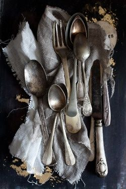 a perfect gray: mixing silverware