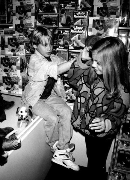 Anna Chlumsky and Macaulay Culkin...Will always love My Girl <3