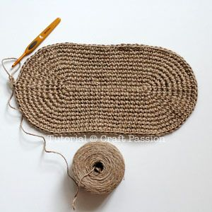 Crochet | Star Stitch Tote With Jute Twine | Free Pattern & Tutorial at CraftPassion.com ༺✿ƬⱤღ✿༻