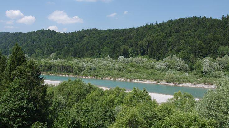 Der #Lechweg ist ein über 120km langer Weitwanderweg, der dem Verlauf des letzten Wildflusses der #Nordalpen von seiner Quelle im österreichischen Vorarlberg bis zum #Lechfall bei #Füssen im #Allgäu folgt.  http://www.hotel-fuessen.de/de/blog/der-lechweg.html