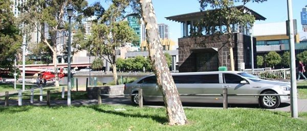 Luxury Limousine Touring with Limousine King. Choose the appropriate wedding car in Melbourne.