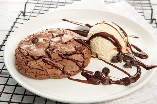 Dark Chocolate Brookie with Ice-cream