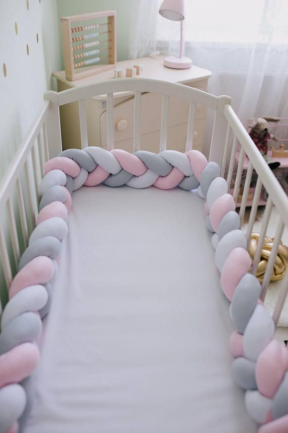 Braid Crib Pare Chocs Rose Tresse Lit Pare Chocs Decor Etsy Baby Crib Diy Diy Crib Nursery Decor Pillows