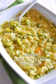 Un fantastico e leggero risotto alle zucchine: 100% naturale e vegetariano. Preparato con brodo vegetale fatto in casa, ma il tutto pronto in 30 minuti!